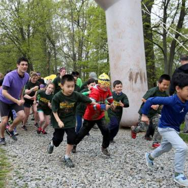 Great Stretches For Kids Before Mud Runs & Obstacle Races