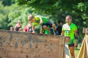 boy wall mud run