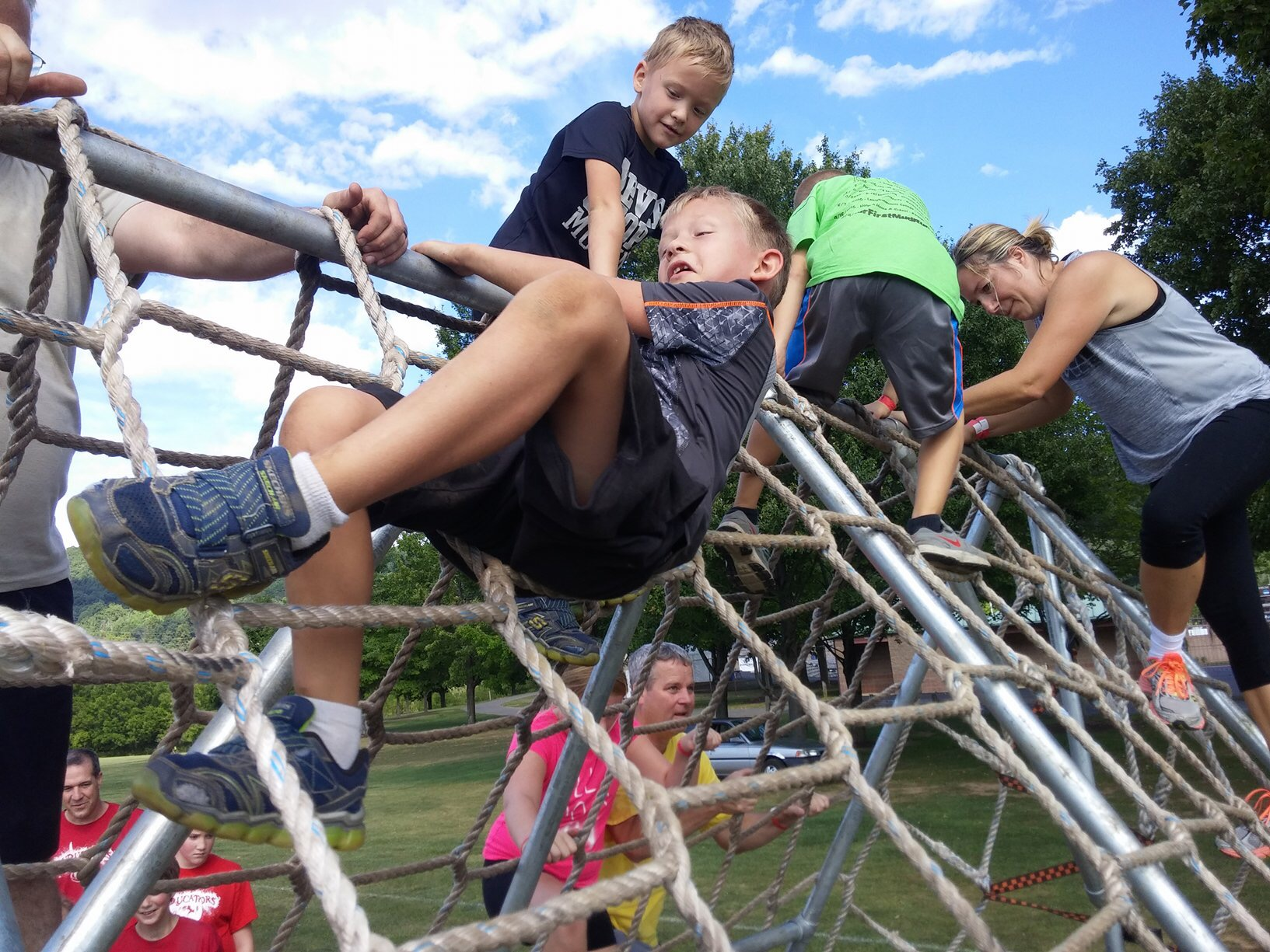 kids mud run wall obstacle